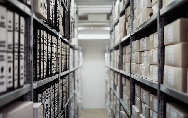 Renting a storage unit for business