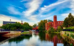 Laconia - Laconia is one of the best New Hampshire cities where Californians feel at home.