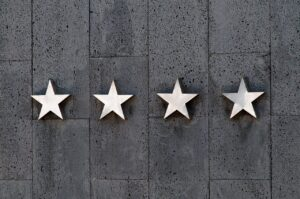 Star reviews you should pay attention to when hiring low cost moving companies.